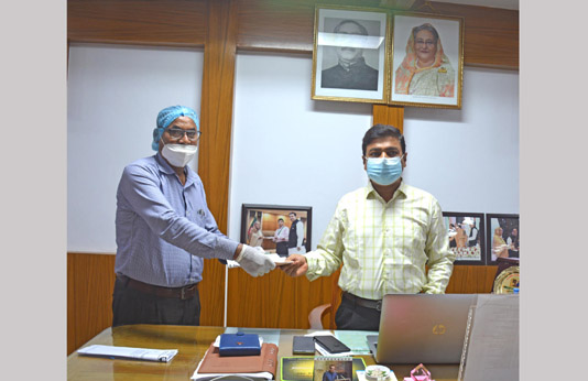 KUET donates Tk 10 lakh to PM's relief fund