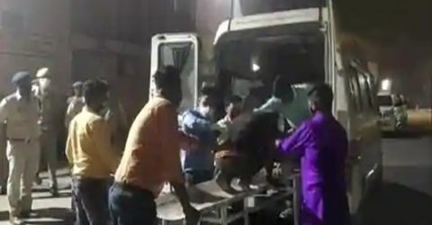 8 killed, over 30 injured in bus-car crash in India's Uttar Pradesh