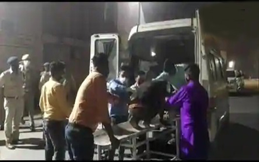 8 killed, over 30 injured in bus-car crash in India's Uttar Pradesh