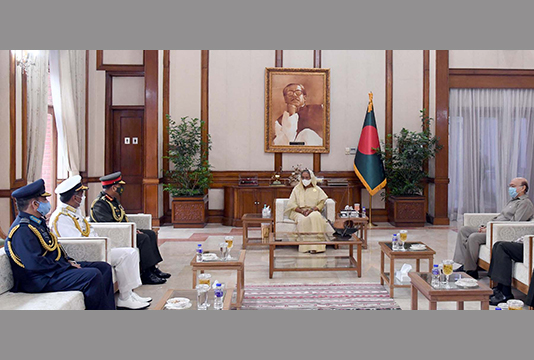 Chiefs of three services pay courtesy call on PM