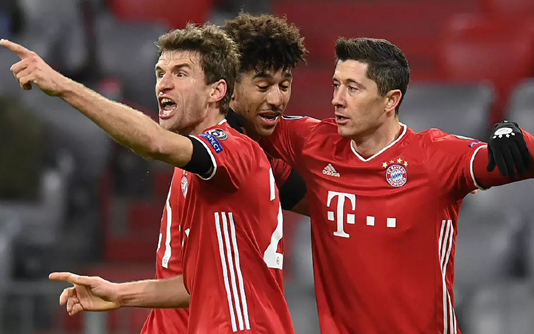 Bayern and their challengers await Champions League fates