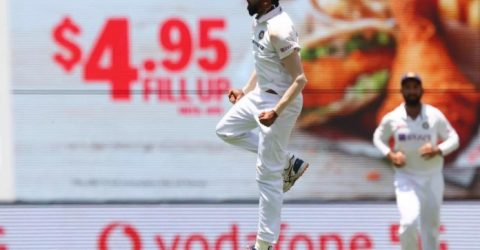 India roar back with four wickets after Australia's flying start