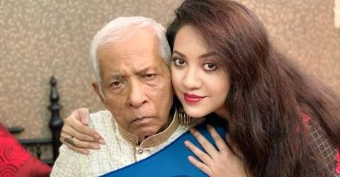 Actress Tareen's father Shahjahan passes away