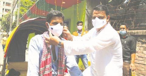 Urban Community volunteers masked up 2000 people