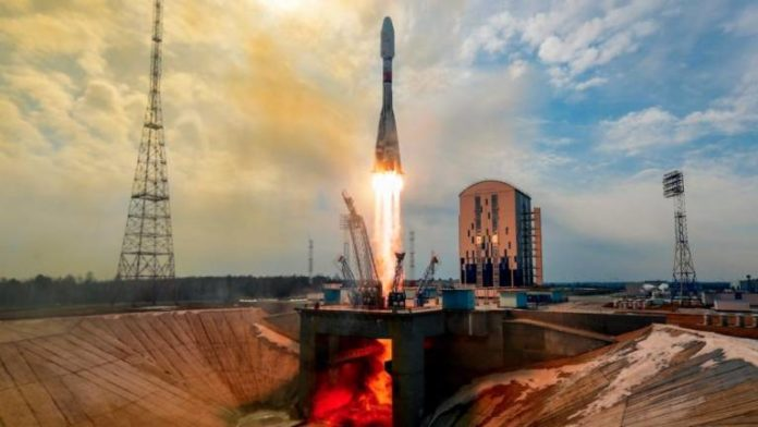 Russia launches new batch of UK telecom satellites into space