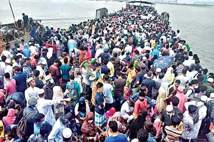 People leaving Dhaka in various ways