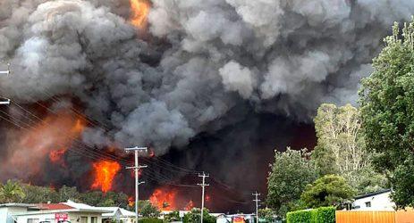 Controlled bushfire cloaks Sydney in hazardous smoke