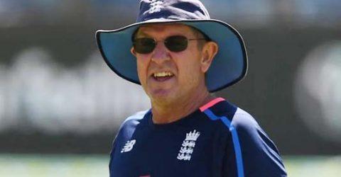 Ex-England cricket coach Bayliss takes reins at Sydney Thunder