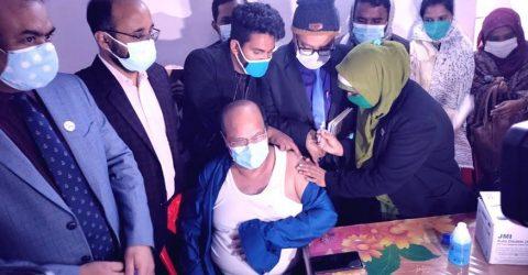 Covid-19 vaccination campaign continues in Rangpur division