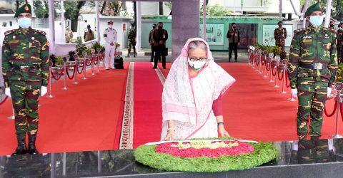 PM pays homage to Bangabandhu on AL founding anniversary