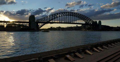 Sydney tightens lockdown amid 'stubborn' outbreak