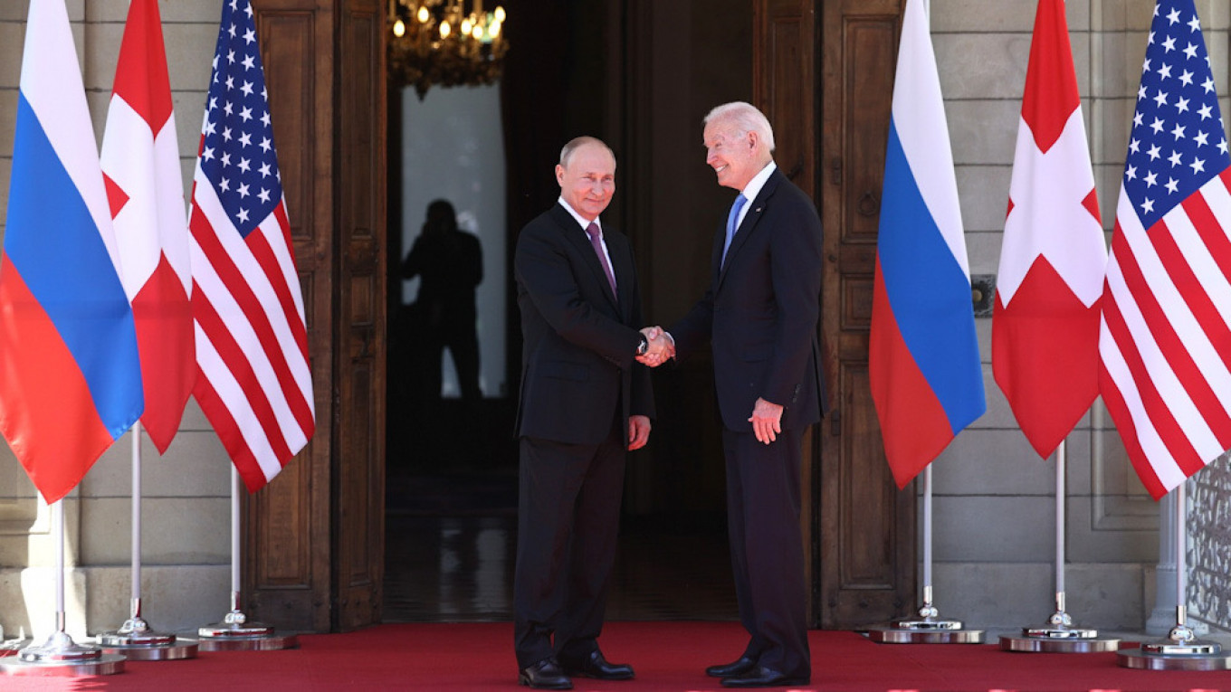 Tensions as US, Russia hold strategic stability talks