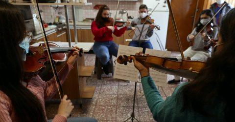 Venezuelan refugee orchestra back together after Argentine lockdown