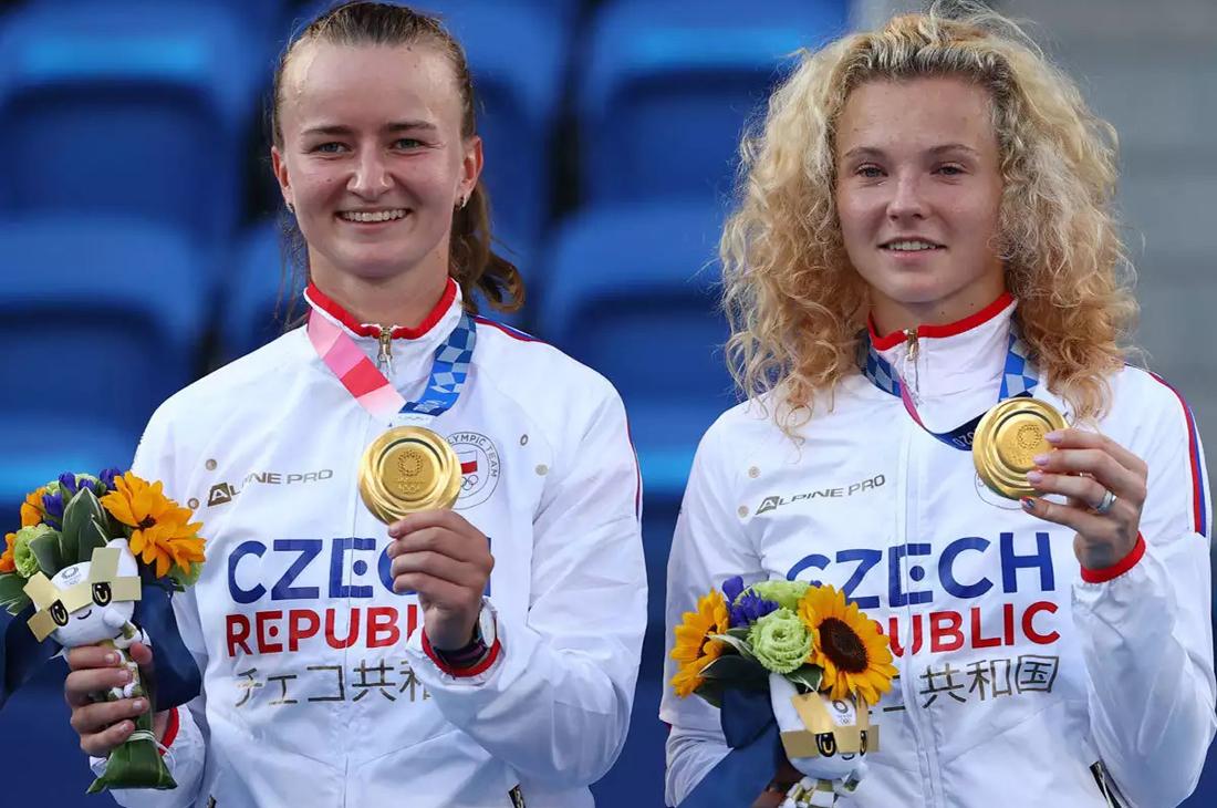 Czechs Krejcikova, Siniakova take women's Olympic doubles gold