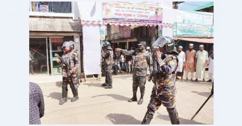 Durga Puja pandal vandalised in Lama; 20 injured including OC