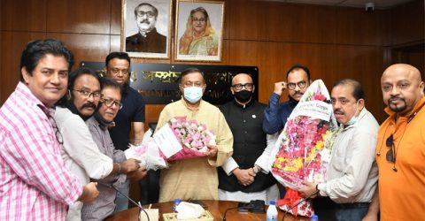 Leaders of film, drama organizations greet Hasan for implementing clean feed