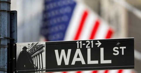 US stocks rise again, finish with weekly gains