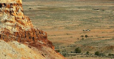 'Miracle' pair found alive after days in Australian outback